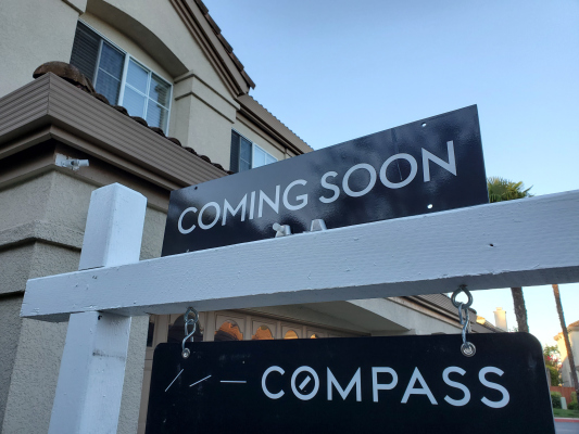 compass files s 1 reveals 3 7b in revenue on net loss of 270m hyperedge embed image