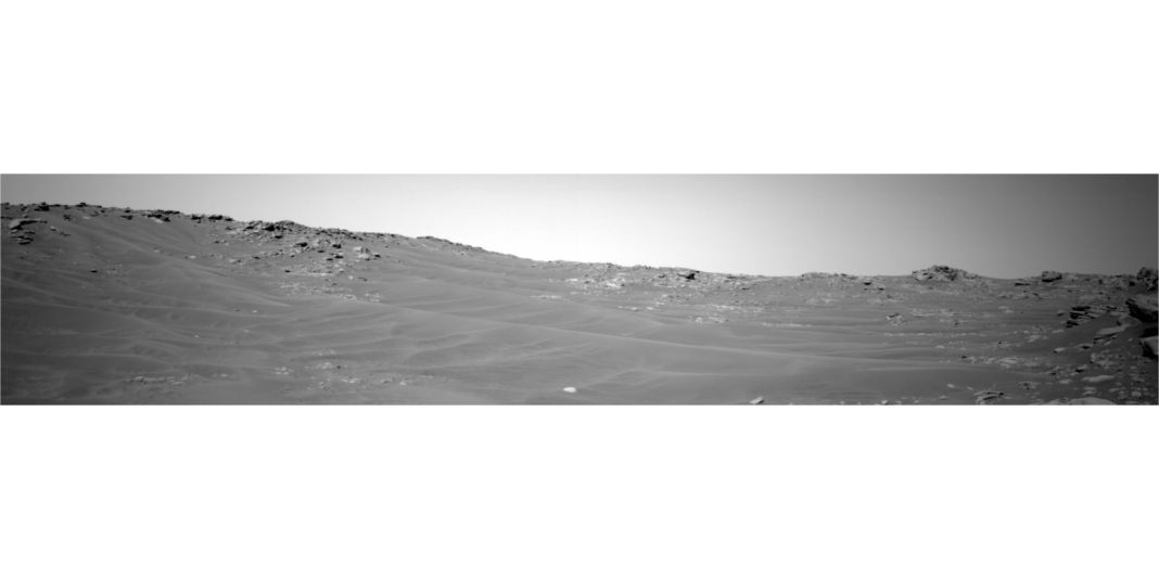 nasa rover captures breathtaking mars landscape photo you cant miss 1 hyperedge embed
