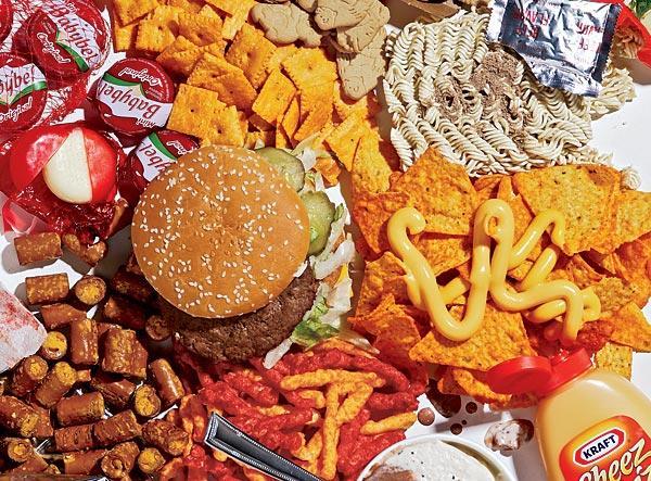 dieta con troppo fast food aumenta il rischio di cancro intestinale