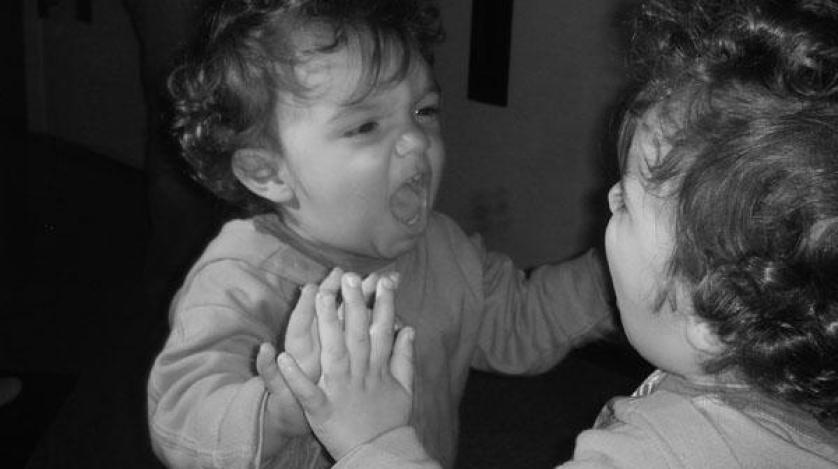 10 condizioni psicologiche bizzarre che possono apparire improvvisamente - Test dello specchio ...