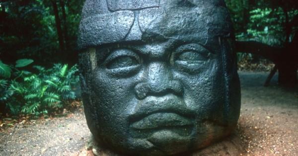 Escultura olmeca Maias, astecas, incas e olmecas diferenças