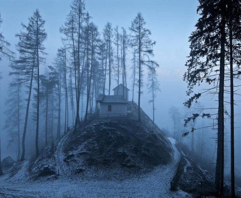 casas-solitarias-cobertas-de-neve-29
