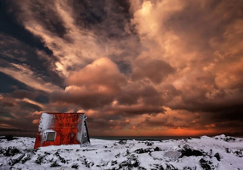 casas-solitarias-cobertas-de-neve-42