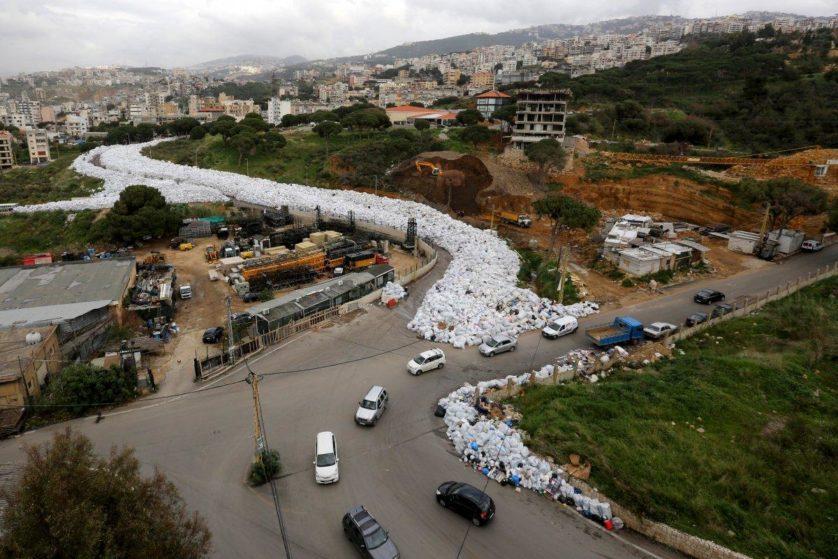 spazzatura fiume libano3