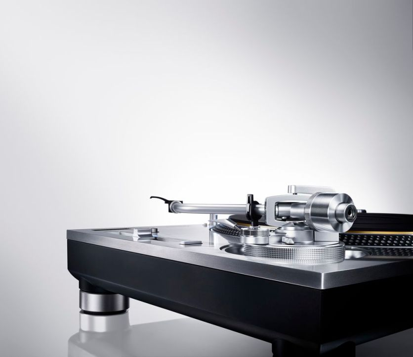 Direct_Drive_Turntable_System_SL_1200GAE_1.0