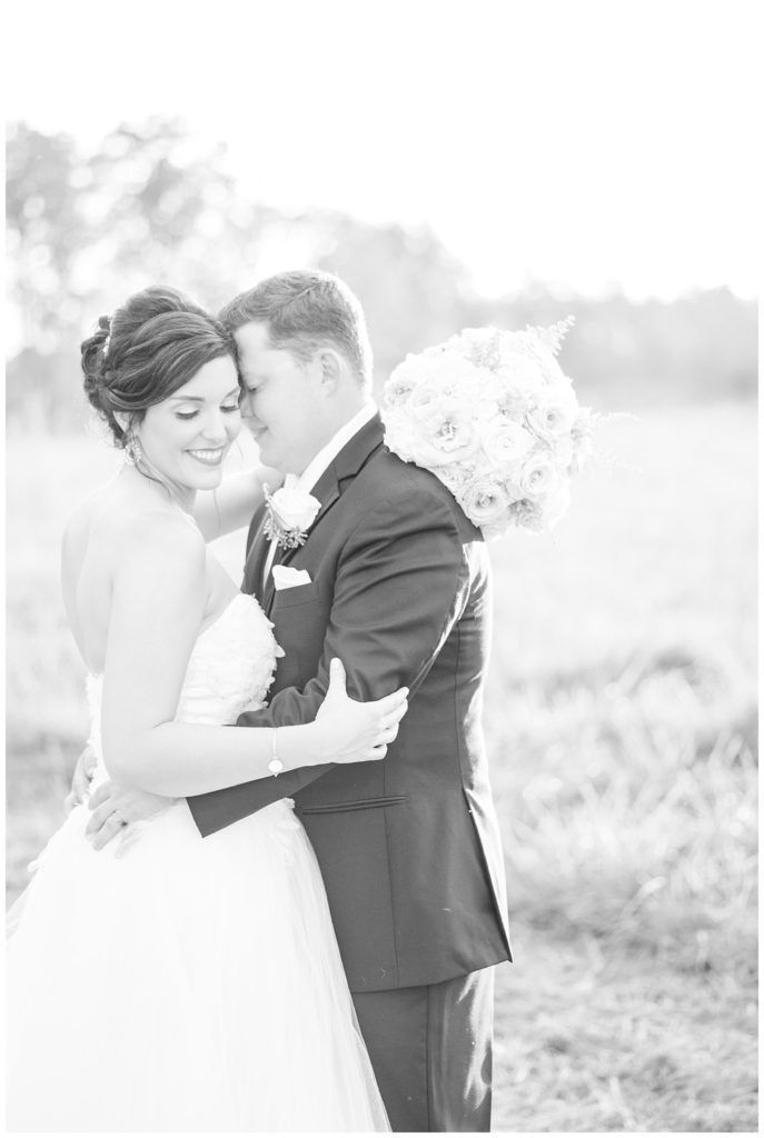 classy barn wedding at the farmstead nc by hypimages