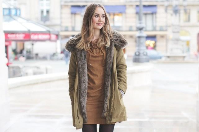 Deutscher Modeblog aus Frankfurt zeigt einen Look mit Schnürkleid.