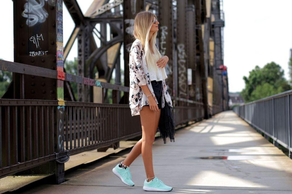 Modeblog-German-Fashion-Blog-Outfit-Kimono-Sneaker-3