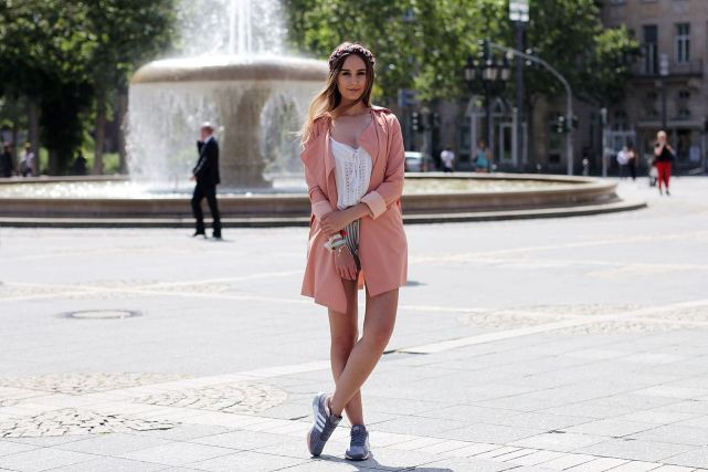 Modeblog-German-Fashion-Blog-Outfit-Trenchcoat-Sneaker-2
