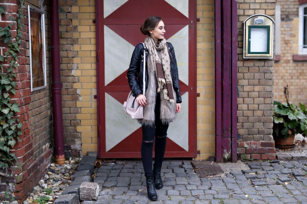 modeblog-german-fashion-blog-outfit-lederjacke-fake-fur-weste-5