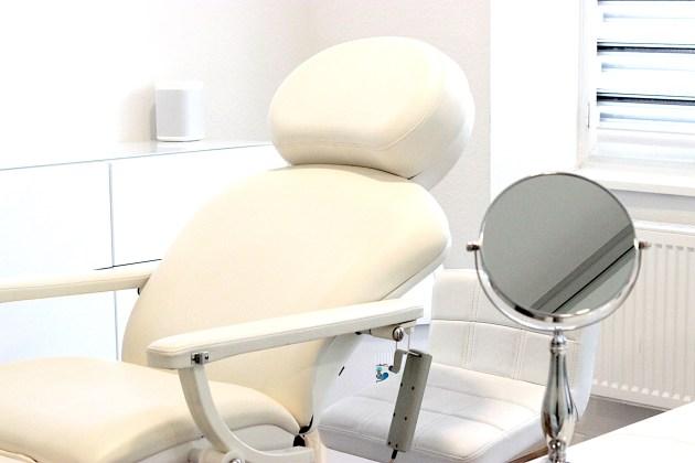 Gesichtsbehandlungen im Test: HydraFacial, AquqFacial, Microneedling auf Beauty Blog Deutschland