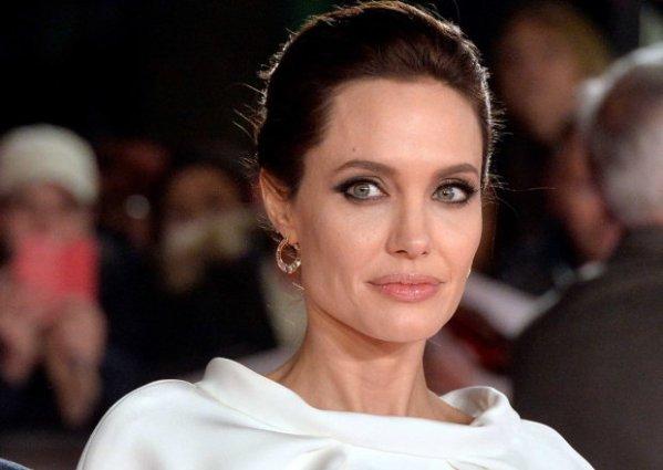 Фото истощенной Анджелины Джоли заставило поклонников ...