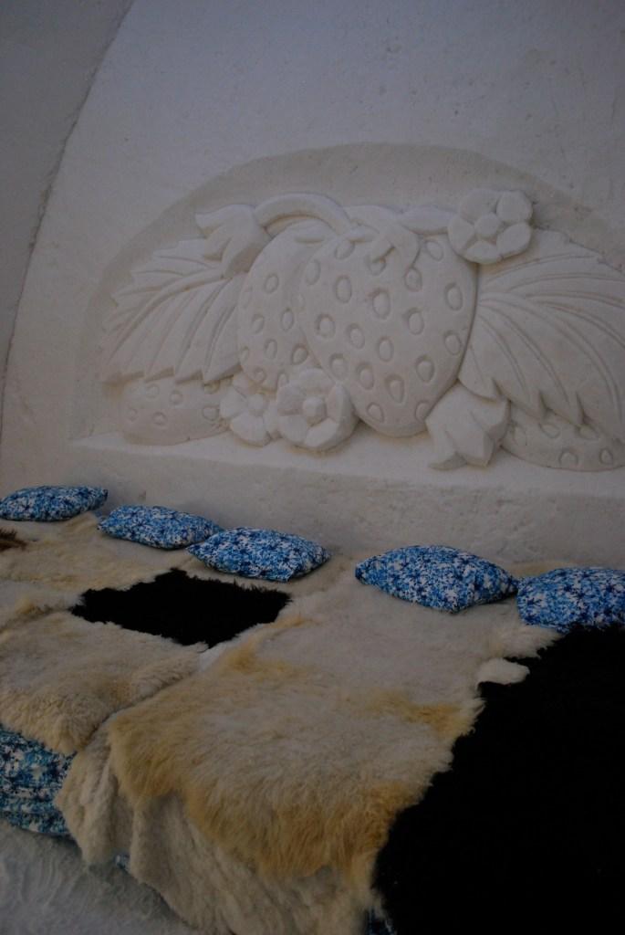 LumiLinnan huoneissa voi useampikin yöpyjä nukkua