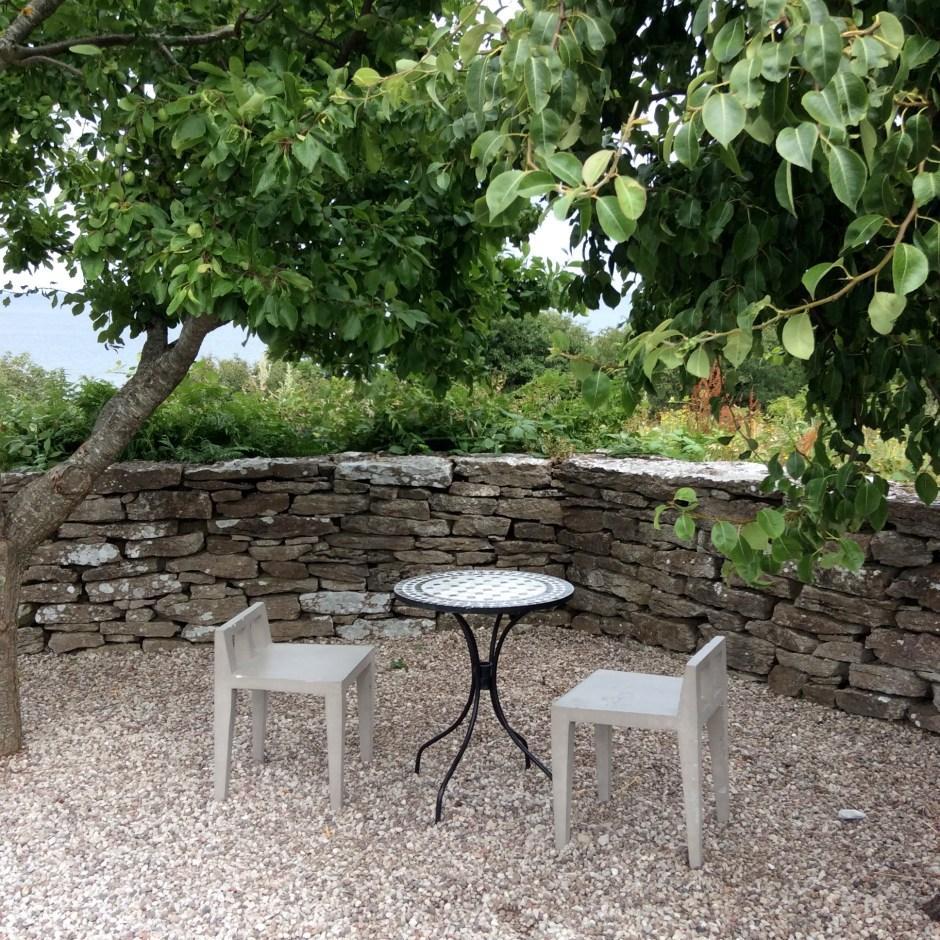 Krusmyntagårdenissa voi nauttia yrtti-istutuksista ja rauhaisasta ilmapiiristä.