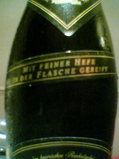 Erdinger Weisbier Dunkel shoulder label