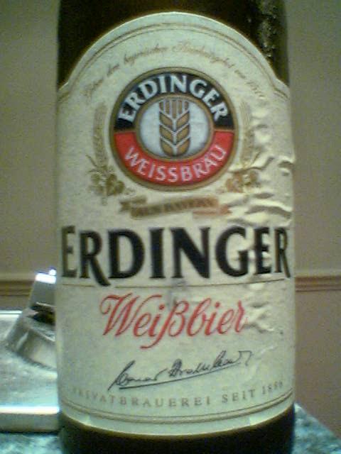Erdinger Weisbier front label