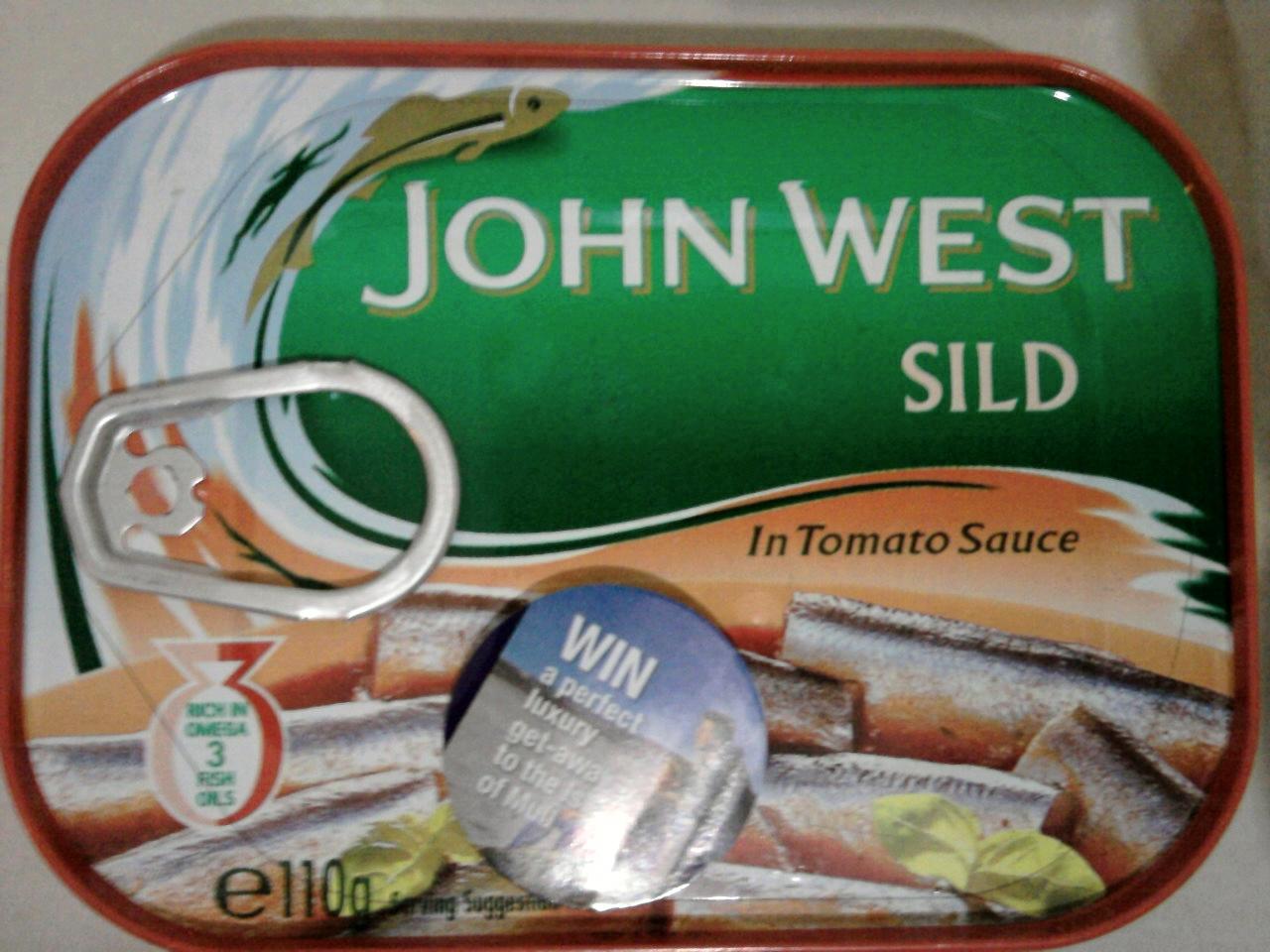 John West Sild In Tomato Sauce front of tin