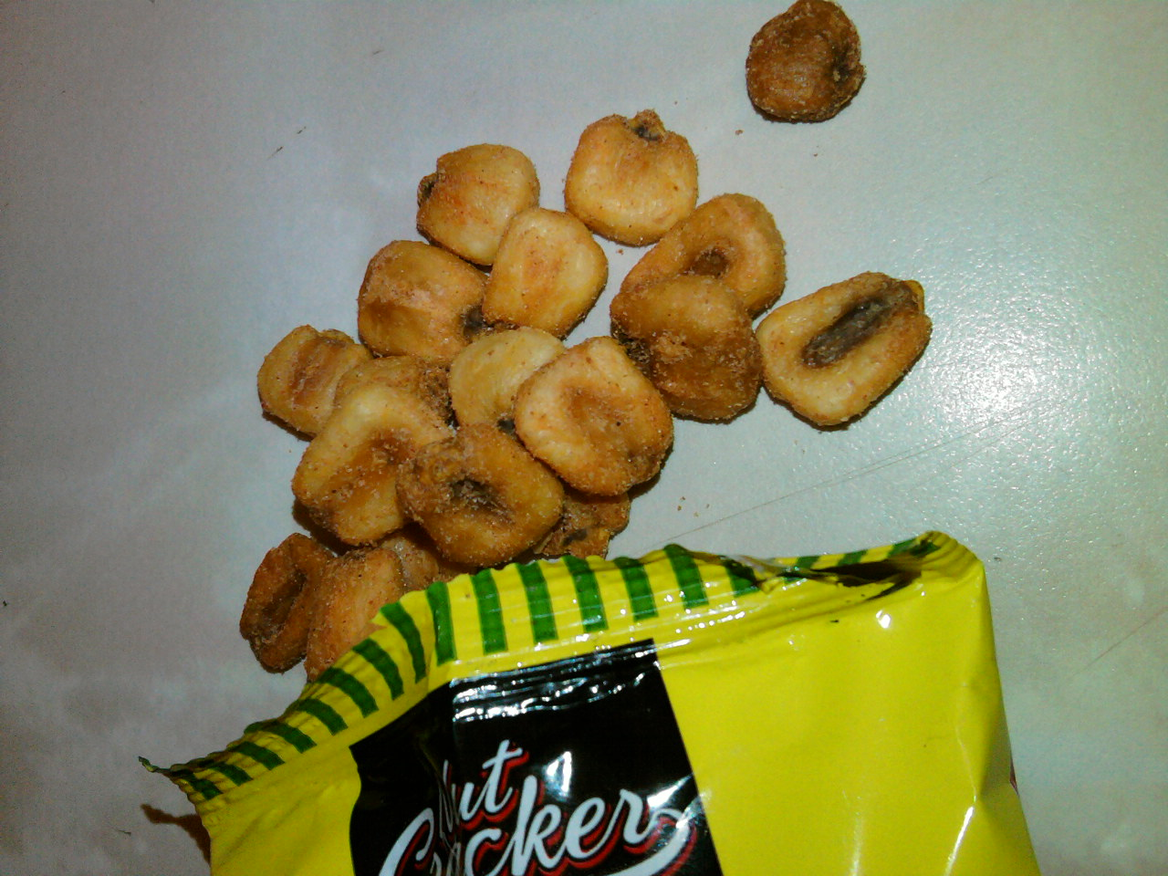 Nut Cracker Crunchy Roasted Corn Chilli & Lemon Flavour Corn Snack open bag closeup
