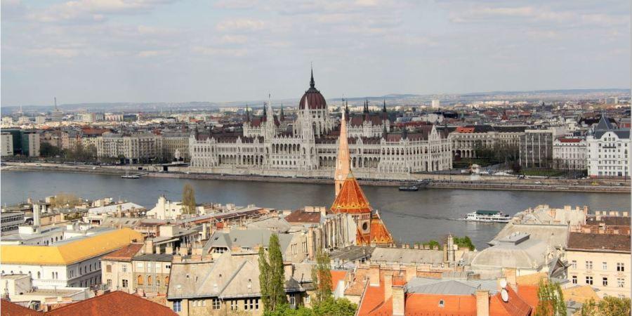 vue vers le parlement budapest