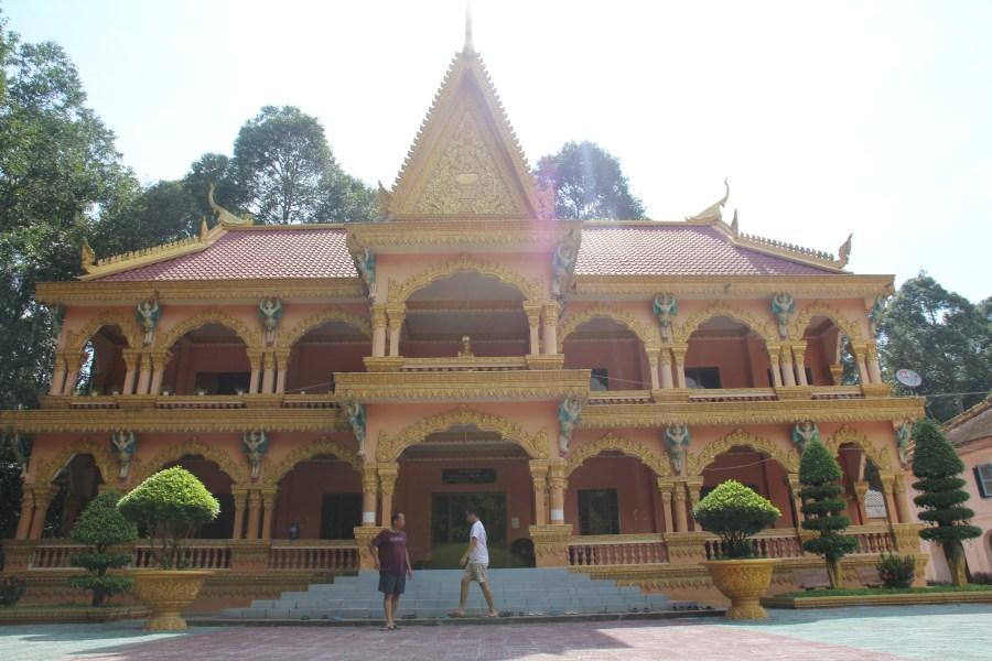 pagode khmere cau ngang