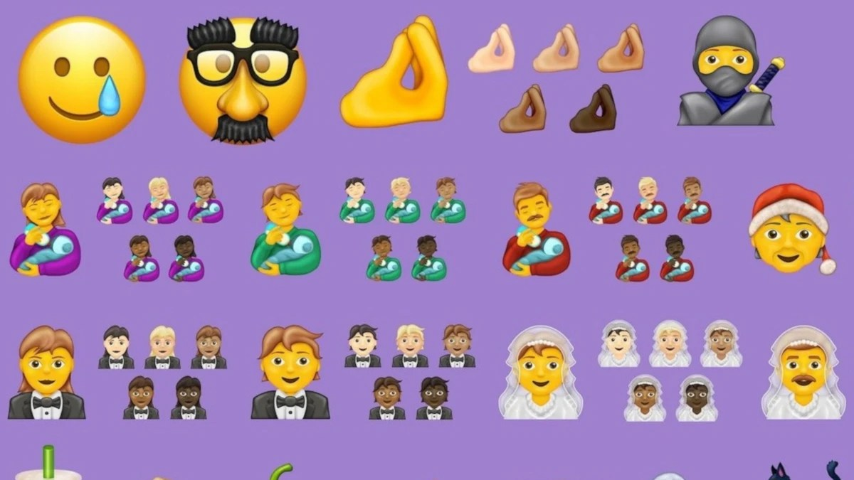 Take An Early Look At The 117 New Emoji Coming To Your