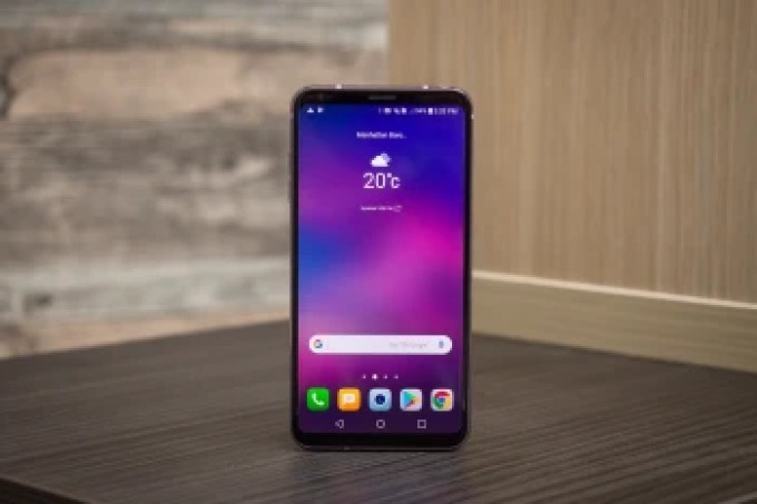 Is the V30 'donating' its looks to the G7?