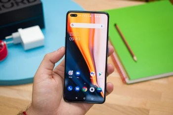 OnePlus Nord has a 6.4-inch AMOLED screen - OnePlus Nord Long-term Review: Even better than you thought