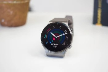 Huawei Watch GT 2 Pro - The Apple Watch and Galaxy Watch 3 were very popular last quarter