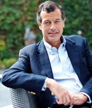 henri giscard d'estaing, pdg de club méditerranée, a gagné 1,2million d'euros