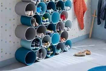 Un Range Chaussures En Tubes En PVC