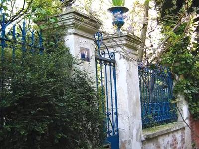 la cité de l'ermitage à ménilmontant dans le xxe arrondissement