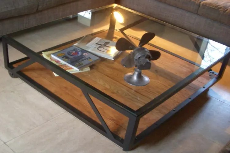 Une Table Basse Au Style Industriel