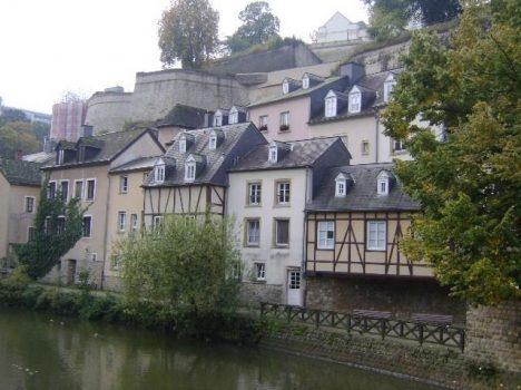 Hidden tourist spots Luxembourg Barrio Grund