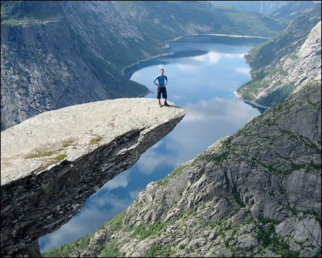 Dangerous Places Tourists trolls-tung-norway