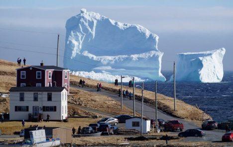 Iceberg tourism Newfoundland