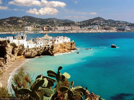 Cheapest expensive Beaches Europe ibiza tops the list of