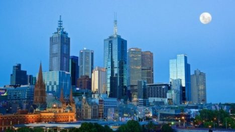 melbourne skyline in the evening