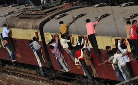 Mumbai's public transport chaos is in large parts based on too many cooks, not able to unify and synchronize the city's blood vessels.