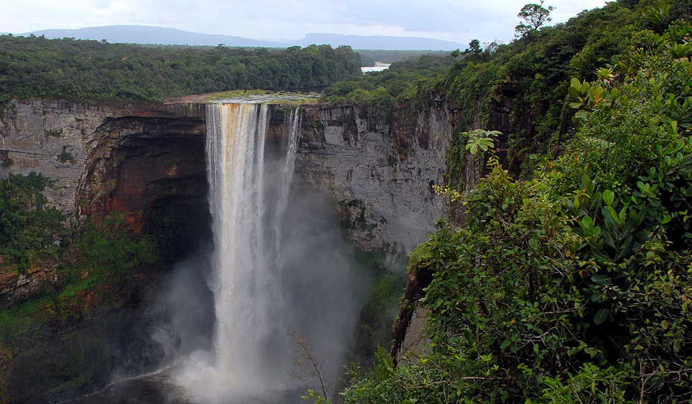 top 10 impressive waterfalls