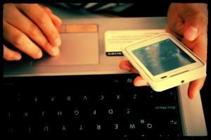 telefon laptop gracz