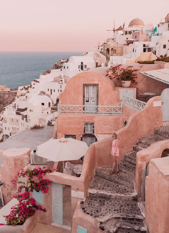 Profile Travel , Profile Destination , Escape , Europe , Santorini , Greece , Traveler , Bucket list , Wanderlust , Explore , Travel , Visit , Photography , Dream Destination , Summer Holiday , Vacation , Adventure , Places to go , Beautiful Destination , View , Lost , Street Photography , Landscape Photography , Cityscape , Hidden Treasure , Day trip , Explorer , Must See , Getaway