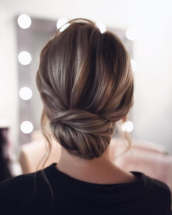 Tonyastylist: 37 Wedding Updo Hairstyles for Bride - Secrets of Stylish Women  #Hairstyles #Haircuts #Tonyastylist #Wedding