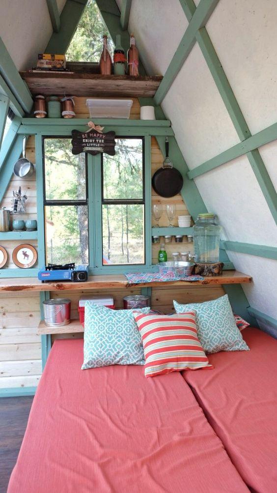 f26a515923e2f591fa44fb06f6f66391 - 21 Perfect Tiny Cabins For Living Outdoors