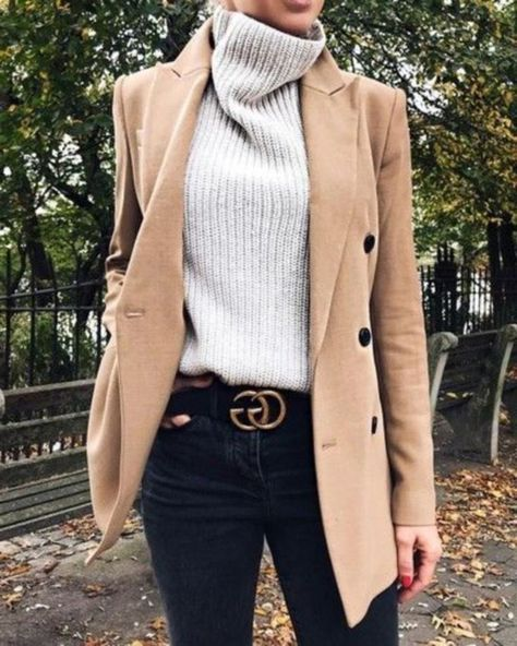 Stylish Winter Outfits with Blazer Inspiration 16