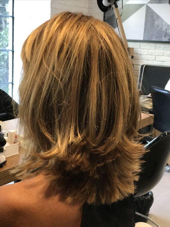 Médium hair with layers