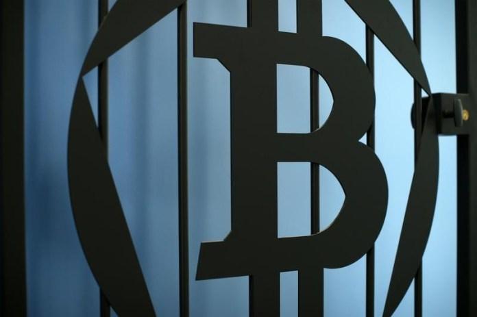 © Reuters. Top 5 Crypto Performers Overview: TRON, Bitcoin, Litecoin, EOS, Cardano