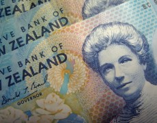 Kiwi Jumps More Than 1% Against Dollar as RBNZ Unexpectedly Holds Rates By Investing.com