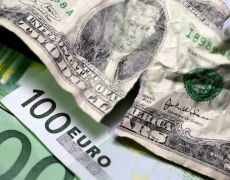 Euro Hits New 2019 Low vs Dollar By Investing.com