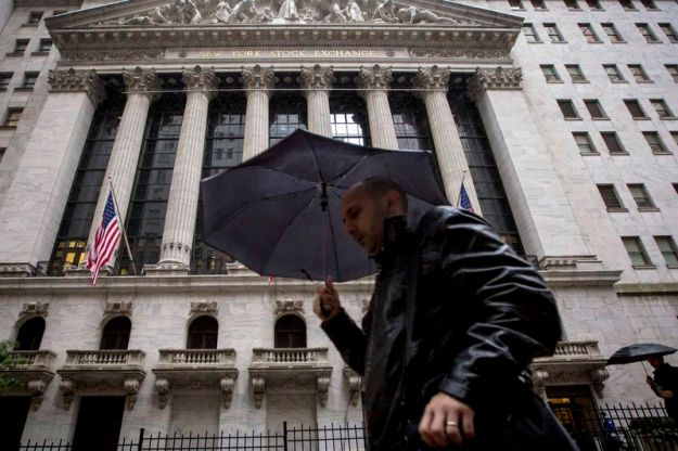 © Reuters. U.S. stocks mixed at close of trade; Dow Jones Industrial Average down 0.09%