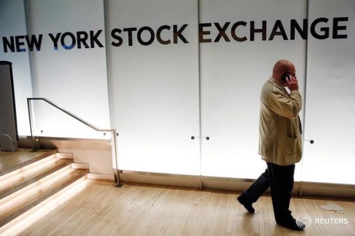 © Reuters. U.S. future point to flat open, JP Morgan beats, Wells Fargo and Citi on tap